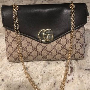 NEW Authentic Gucci Clutch
